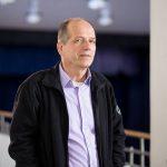 Michael Gericke-Bauer ist Lehrer für Gartenbau und für Naturwissenschaften an unserer Schule in Witten.